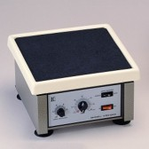 Agitador Orbital  Análogo con Timer, de  75 - 250 R.P.M. Plataforma de 26 X 26 cm